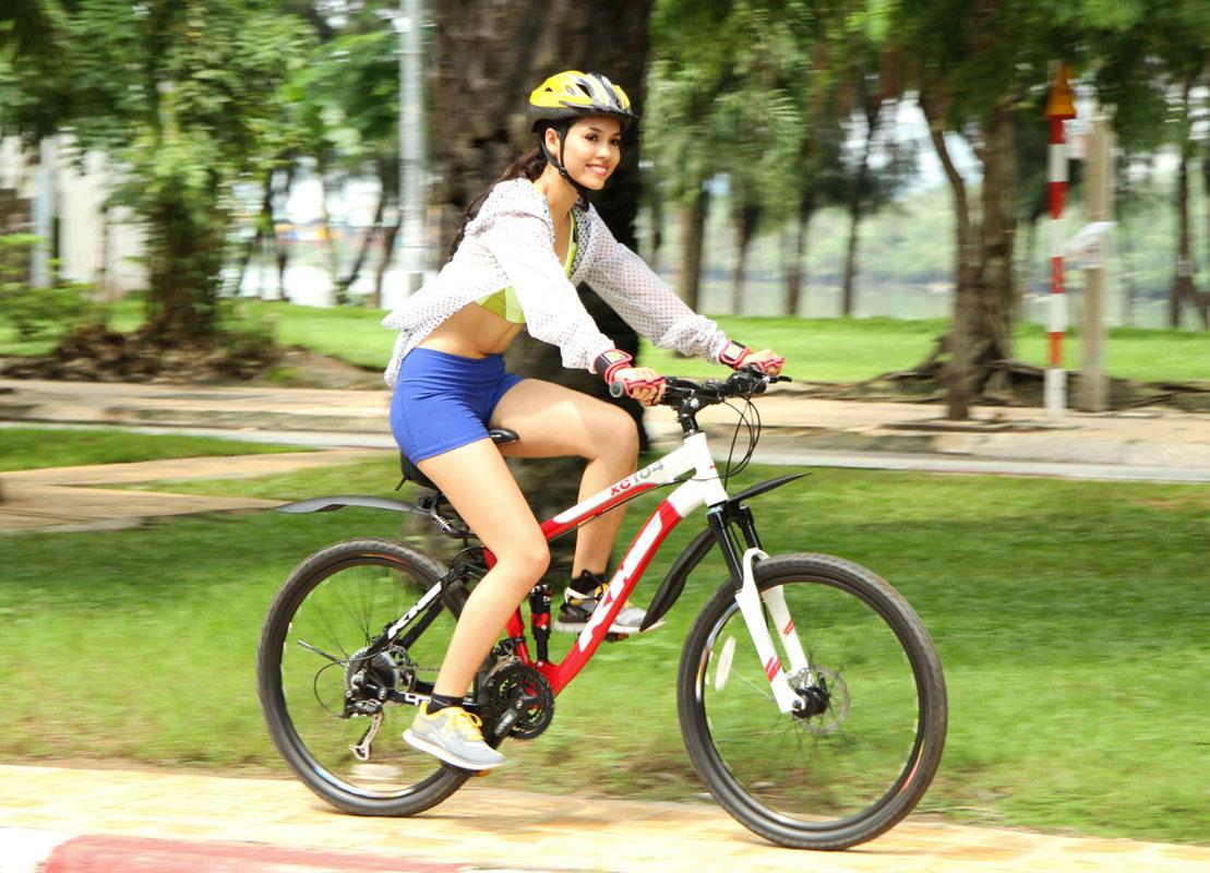 đi xe đạp dàn hàng ngang bị phạt gì